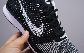 耐克Nike Flyknit Racer飞线针织轻便跑鞋
