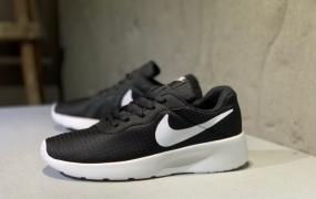 耐克 Nike Tanjun耐克伦敦网面跑步鞋