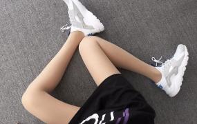Nike Air Huarache白兰闪钻 华莱士4代网面 模特上脚图