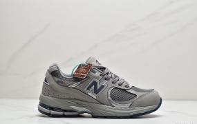 新百伦New Balance WL2002系列 鞋底真硅胶材质必备的时髦单品之一,最新出的2002R系列,这款延续了经典科技