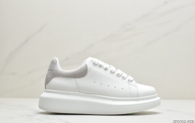 意大利高奢品牌Alexander McQueen亚历山大·麦昆 Sole Leather Sneakers低帮时装厚底休闲运动小白鞋