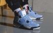 """Air Jordan 4"""" University Blue""""的现场照片"""
