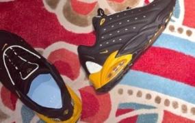 Drake 的 Nike Hot Step Air Terra 推出黑色和黄色