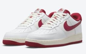 """校队夹克主题 Nike Air Force 1 '07 LV8 表面""""Gym Red"""""""