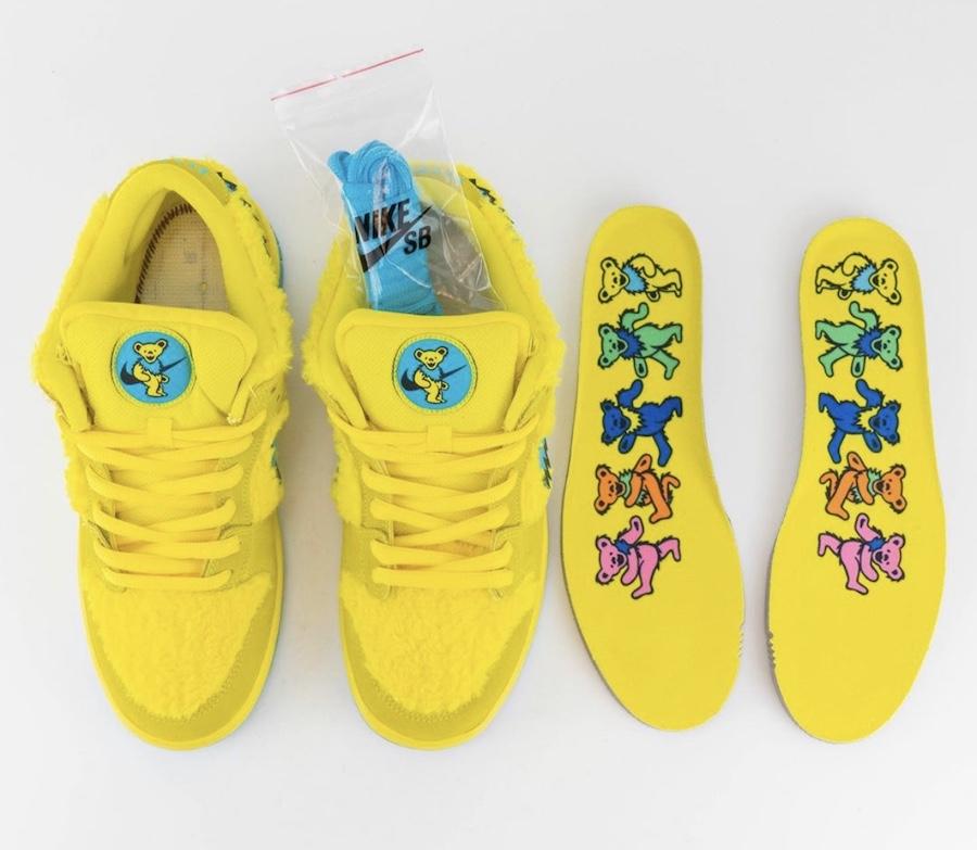 Nike SB Dunk Low, Grateful Dead x Nike SB Dunk Low