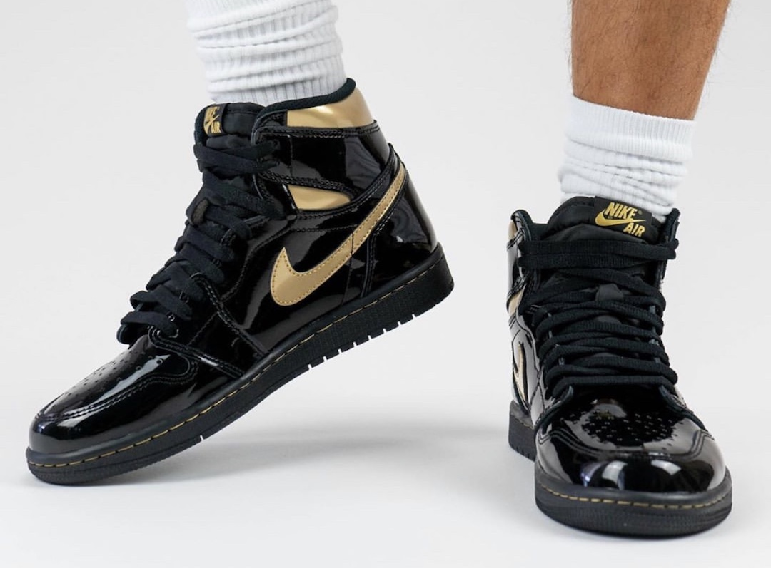Air-Jordan-1-Black-Gold-555088-032-Release-Date-On-Feet-5