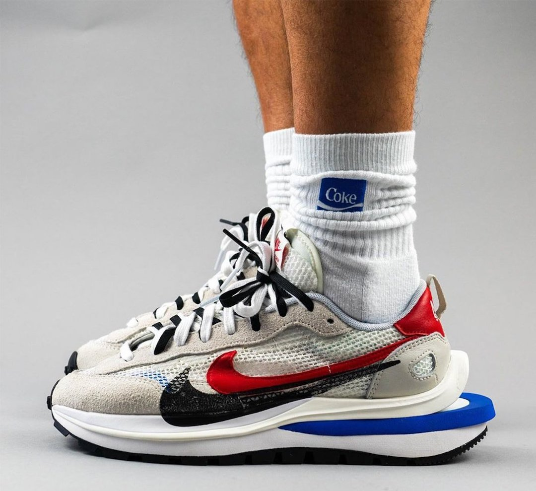 sacai-Nike-VaporWaffle-Sail-Light-Bone-Game-Royal-Sport-Fuchsia-CV1363-100-Release-Date-On-Feet-1