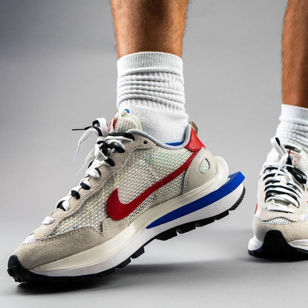 sacai-Nike-VaporWaffle-Sail-Light-Bone-Game-Royal-Sport-Fuchsia-CV1363-100-Release-Date-On-Feet-7